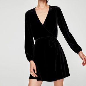 Zara velvet dress sz small in black